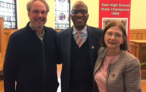 Journalist/author and Miami alum Wil Haygood, center, won great support from Harrison winner Richard Campbell and Provost Phyllis Callahan over the years. <em>Photo by Patti Newberry</em><br><br>
