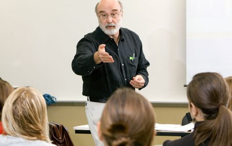 Tom Romano teaching at Miami University in 2006. <em>Photo courtesy of Miami's College of Education Health and Society</em>