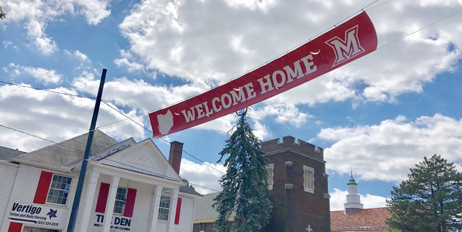 A banner across High St. welcomes visitors to Oxford for Homecoming weekend. Photo by Marla Chavez Garcia