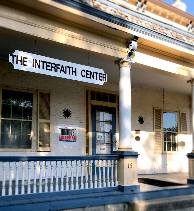 A+Haven+outpatient+center+is+located+in+the+Interfaith+Center%2C+16+S.+Campus+Ave.%2C+in+Oxford.+This+serves+as+a+safe+space+for+students+to+meet+with+their+counselors+and+hang+out+in+the+common+area.+Photo+by+Lauren+Shassere.
