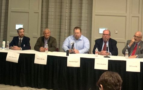 The five candidates for Oxford City Council participate in a public forum on Wednesday, sponsored by the Miami Student. From left to right: Jason Bracken, Glenn Ellerbe, Hueston Kyger, Chris Skoglind and Bill Snavely. <em>Photo by Ryan McSheffrey</em><br>