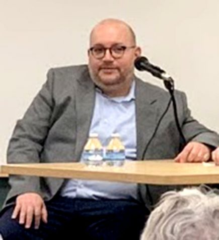 Washington Post reporter, Jason Rezaian, spoke at Oxford's Lane Library about the 544 days he spent in an Iranian prison. <em>Photo by Lexi Scherzinger</em>