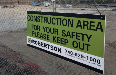 A construction sign in front of Marshall Elementary School.
