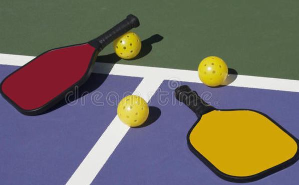 Community center to convert a tennis court into pickleball courts